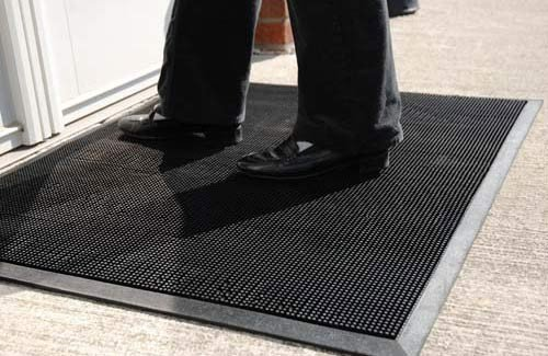 1. Durable Corporation Rubber Entrance Mat