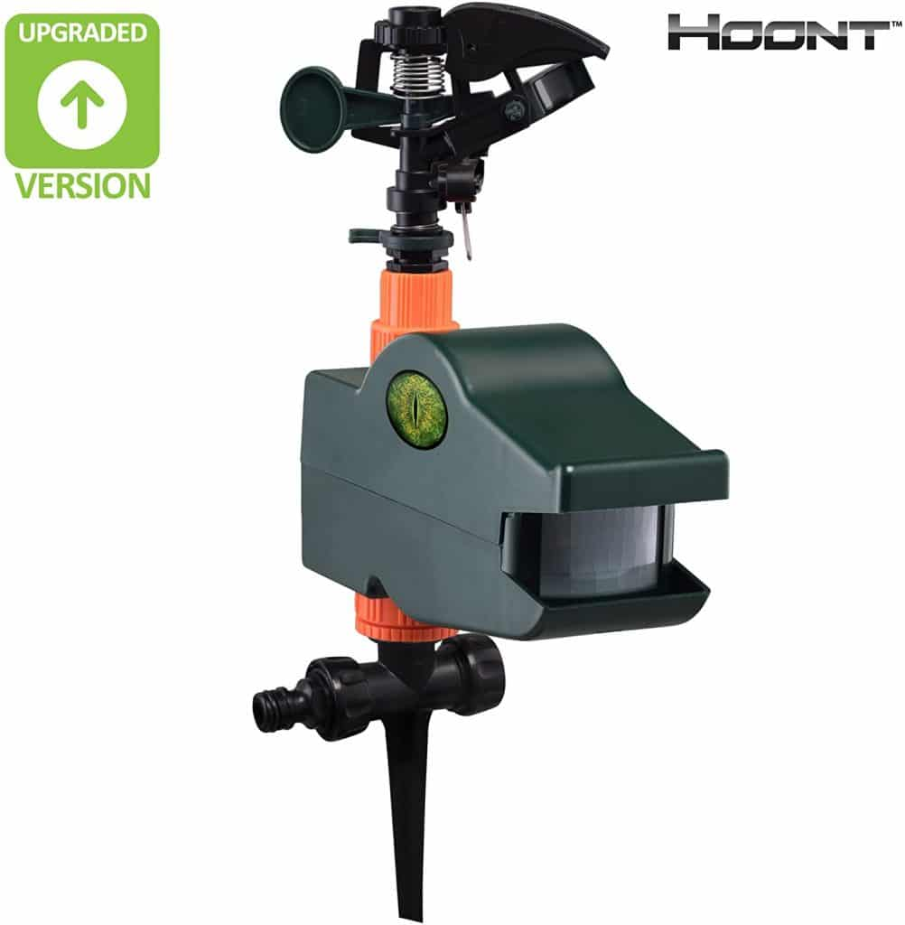 3. Hoont Powerful Outdoors Water Jets Blaster Animals Pest Repellent