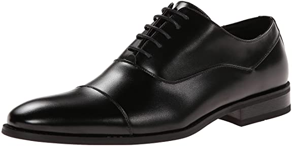 <strong>1. Unlisted by Kenneth Cole Men's Half Time Oxford Shoes</strong>